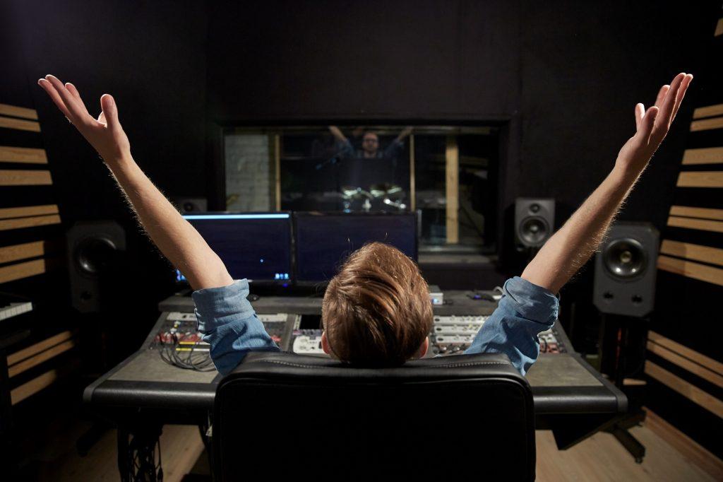 RADIO PER NEGOZI RADIO PERSONALIZZATA RADIO IN STORE